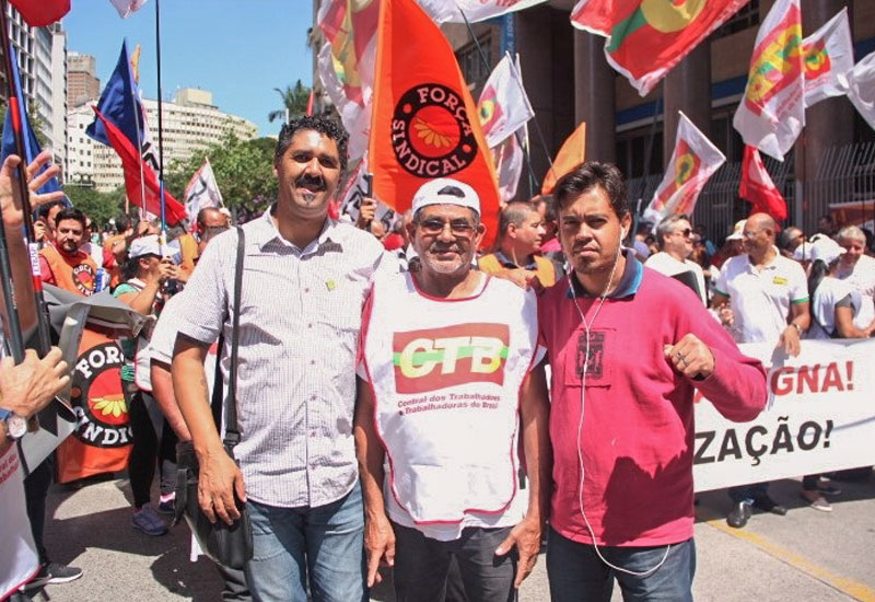 Povo vai às ruas contra o desmonte do INSS, e por seus Direitos!