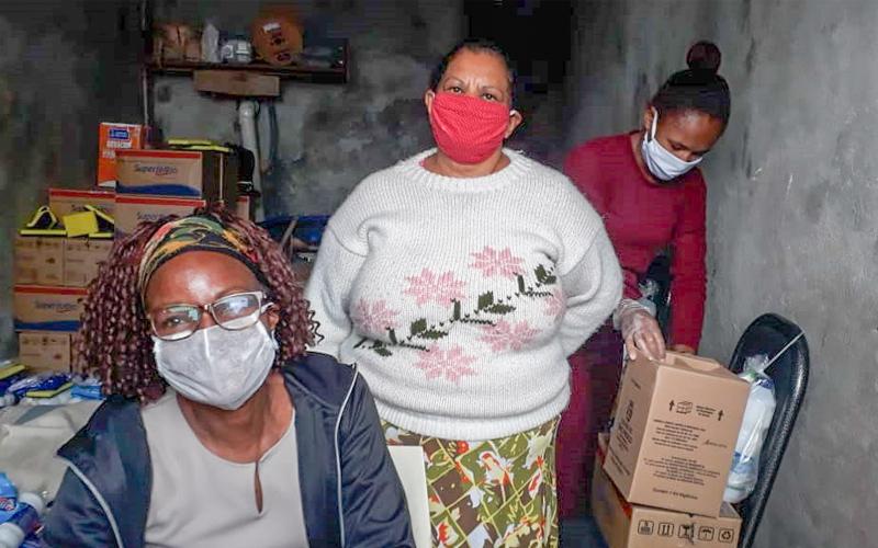 Movimentos sociais fazem ações de apoio a população na zona sul